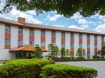 *ホテル外観(夏)