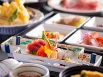 【ご夕食/御膳ディナー】和洋折衷の創作メニュー。※季節によりお料理内容が異なります