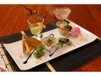 旬を奏でる和食の会席。月毎に替わるお料理はどれも五感をたのしませてくれる芸術のよう。