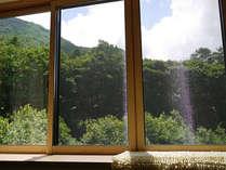 *当館の周りには、高い空、美しい緑など手つかずの自然が広がっております。