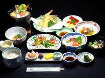 料理長こだわりの和食創作料理【桂膳】全10品。仕入れにより内容が変わることがあります。
