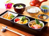 【朝食】沖縄料理が味わえます♪