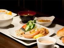 ■朝食バイキング■ ・営業時間AM6時30分~10時まで ・料金524円(税別) ・品数約40