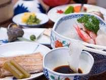 *お夕食一例/瀬戸内の海に囲まれた地形だからこそいただける新鮮な海の幸。地元で造られたお醤油につけて。