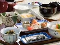 うえまちの朝食は7:00~10:00AM 御飯膳(イメージ)