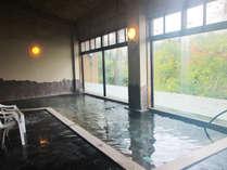*【温泉】石油採掘の際に湧き出た温泉で、肌の隅々まで染み渡り、湯ざめしにくく、美肌効果アリ!