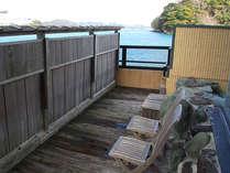 露天風呂からは、鳥羽湾を眺める事が出来ます。休憩にご利用ください。
