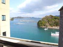 屋上テラスからの眺め(貸切露天風呂フロア)晴れた日には、海の色の鮮やかさをご覧頂くことが出来ます。