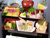 お得な2食付7500円プラン夕食例:夕食は簡単に済ませたい人にピッタリです