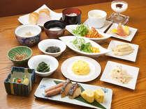 レストラン「九年母亭」好みの料理をバラエティー豊かに楽しめる朝食