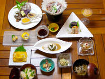夏季限定!【特選会席】旬の県産食材を活用した自慢の料理を心ゆくまでご堪能下さい。