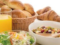 朝食ブッフェは連泊でも飽きない美味しさ!