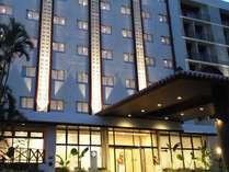 【EAST TOWER】ホテル外観