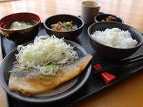[日替わりお手軽無料夕食]さば味噌煮定食