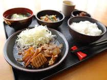 [日替わりお手軽無料夕食]牛すき焼き定食