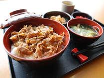 [日替わりお手軽無料夕食]豚すき焼き丼セット