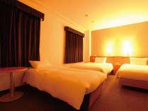 [トリプルベッド] デラックスツインのソファをベッドに変更できます。(要予約)