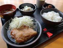 [日替わりお手軽無料夕食] 照り焼きチキン定食