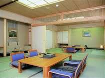 和室特別室 二間つづきの和室特別室 檜展望風呂が魅力です