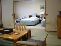 和室8畳+ツインベッド ベビーカーや車椅子も押したまま部屋まで入れます。