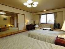 和室8畳+ツインベッド_別アンク゛ル  ベビーカーや車椅子も押したまま部屋まで入れます。