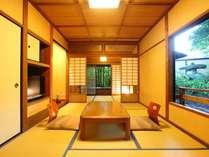 【一般客室】7畳+3畳の本館客室。ドリップコーヒーもお部屋にご準備/例