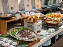 明るく開放的な会場で、美味しい朝食をぜひお召し上がり下さい!