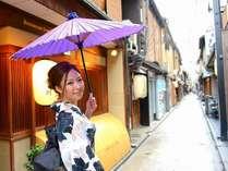 京都随一の風情溢れる夕食繁華街「先斗町(ぽんとちょう」は、当ホテルより徒歩7分