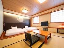 ベッドから落ちる心配不要♪安心設計が人気の1室/本館和洋室例