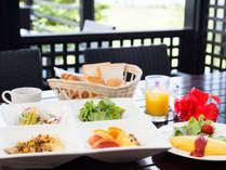 マラルンガ(朝食イメージ)/ライブクッキングのオムレツは人気の一品。