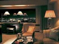【デラックスツイン】大きな窓から広がる夜景をご堪能下さい。
