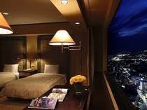 【デラックスツイン】(50平米)眼下に広がる夜景の上で、素敵なお時間を。(イメージ)