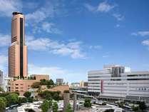 JR浜松駅から徒歩3分。浜松駅の東隣りの建物