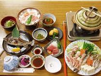 地元産の旬の食材を使った約8品の和食膳になります