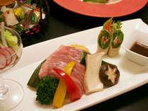 宮崎牛を使用したお料理例。旬の味覚とともにをお出しいたします。