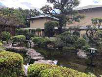 【酒泉の杜 綾陽亭】日常の喧騒を忘れ、ゆったりとした時間が流れる純和風旅館