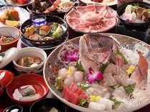 【鯛コースの一例】新鮮な鯛のお造りを中心とした会席料理です(季節限定・写真は4名様盛り)
