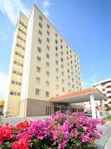 ベッセルホテル石垣島の外観でございます。