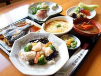 【夕食】旬の食材もしっかり生かしたボリューム感のあるご夕食