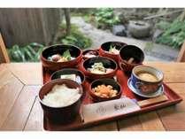 泉仙の精進料理(朝食用)