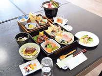 【松花堂会席御膳】品数豊富!季節の食材と彩豊かにご用意致します