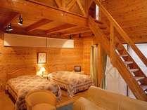 山小屋風コテージ【ベッド5名+ふとん2名】一例…キッチンも独立しているなど、広々とした室内