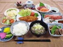 *【スタンダード】夕食一例/お米や野菜を自家栽培している農家宿ならではの家庭料理をお楽しみに☆
