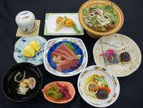 *【お料理一例】港直送のマグロお刺身が人気です!