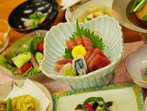 *【夕食一例】海の町ならではの旬の素材を使用した和食会席料理をご用意いたします。