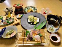 *季節のものを、土地のものを。松山や瀬戸内を感じていただけるお食事をご用意しております。