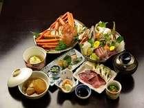 """【富山に来たらみんな食べてます】富山湾の女王 """"紅ずわい蟹"""" まるごと一杯付会席!白海老の素揚げも"""