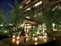 梅乃屋は湯田温泉の中心道路から少し奥に入った静かな環境にございます。