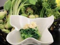前菜から全てが手作りの本物の味。健康にも配慮したお体に優しいお料理を御堪能ください。