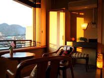 ◆広縁にはイス・テーブルをご用意しております。お足の悪い方はご予約時お尋ねください(客室一例)